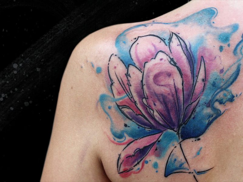 tatuaje cover up flor