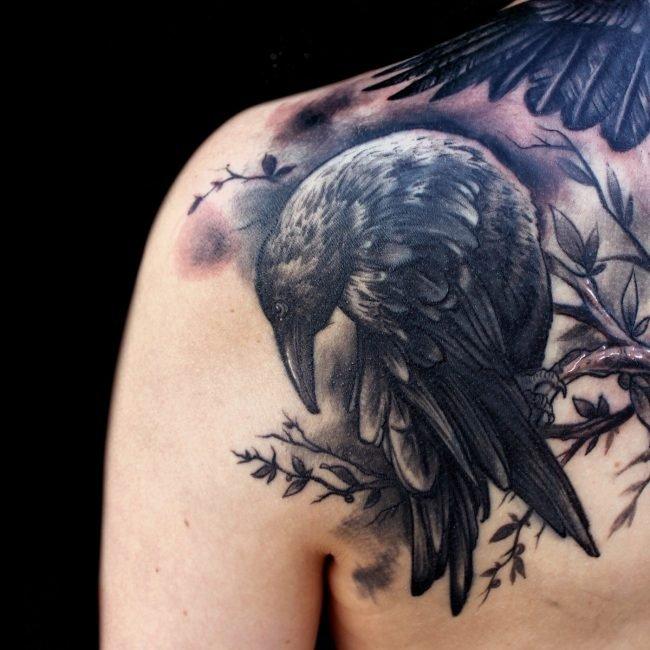tatuaje cuervo cover up